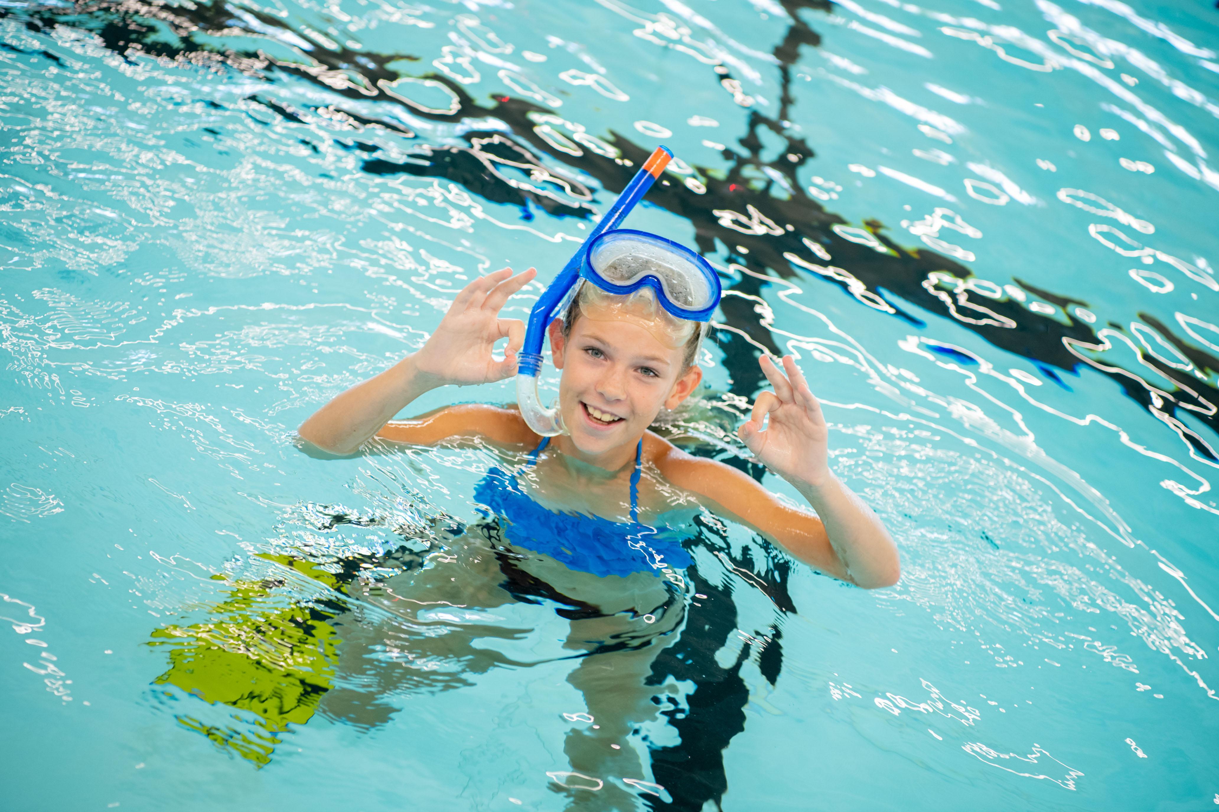 Lachen en zwemmen